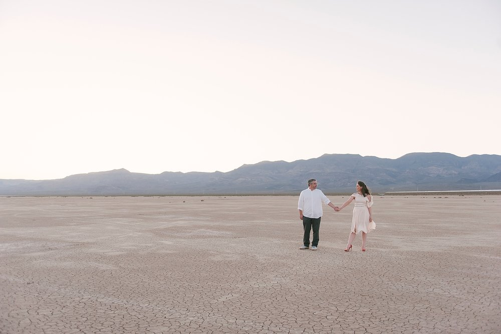 Las_vegas_desert_dry_lake_bed_elopement-1-2.jpg