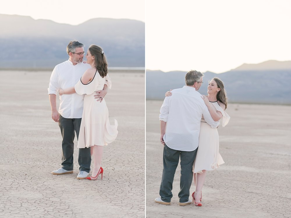 Las_vegas_desert_dry_lake_bed_elopement-7.jpg