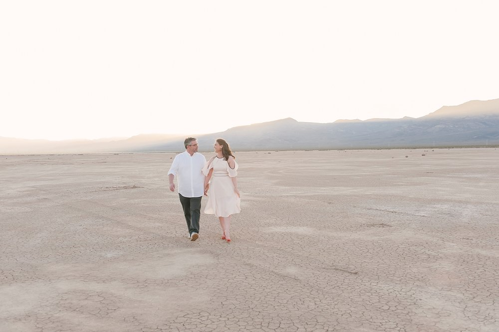 Las_vegas_desert_dry_lake_bed_elopement-10.jpg