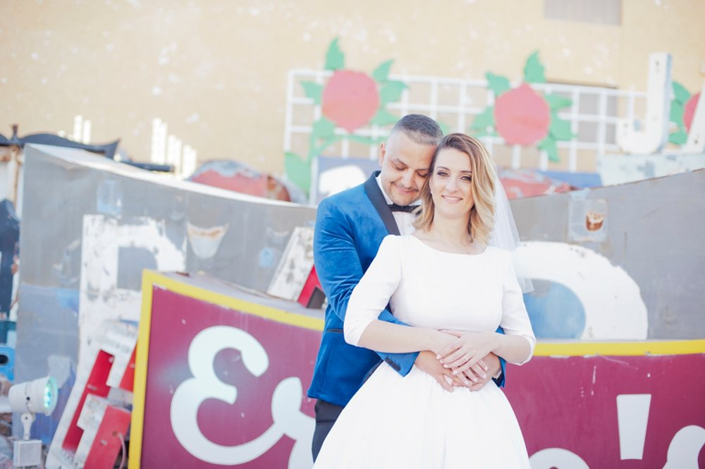 Neon_Museum_Las_Vegas_Destination_Wedding_photos-14.jpg