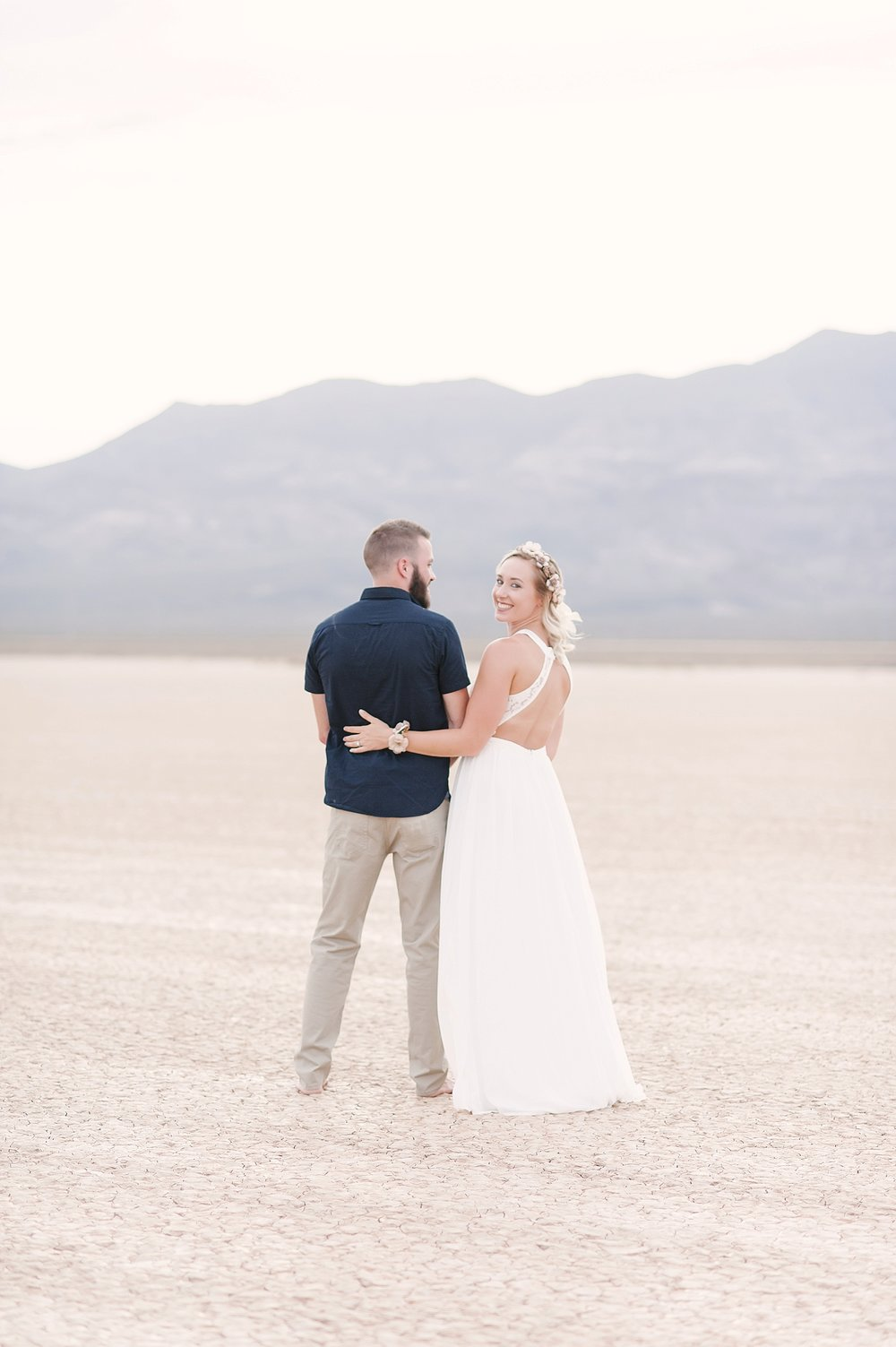 Las_Vegas_Dry_Lake_Bed_Wedding-01.jpg