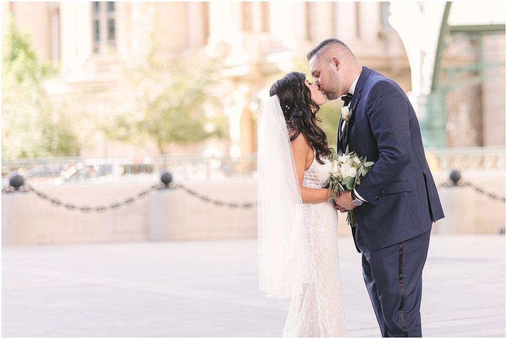 mandalay_bay_las_vegas_destination_Wedding_photography-22.jpg