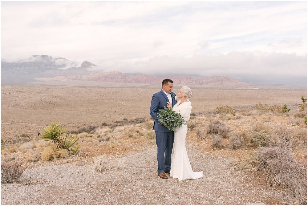 las_vegas__wynn_hotel_elopement_red_rock_photos-33.jpg