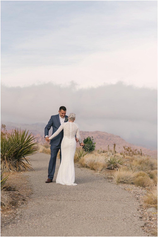 las_vegas__wynn_hotel_elopement_red_rock_photos-43.jpg