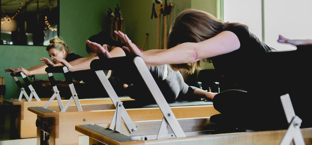 REFORMER CLASS - Quartet classes on Pilates equipment.