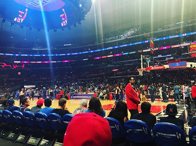 Courtside tonight at the @laclippers game. Glad we got the W! Fun time tonight. #losangeles #hollywood #basketball #nba #clippers #courtside #celebs #friends #fun #weekend #games #sports #rhettlindsey