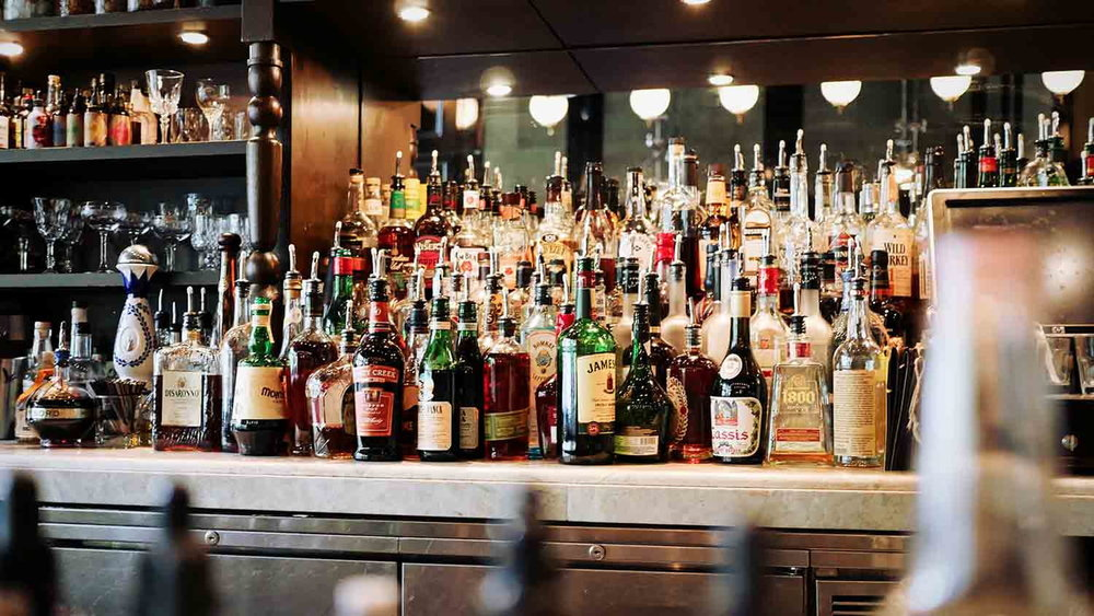 liquor-lovers-bar-1500x843.jpg