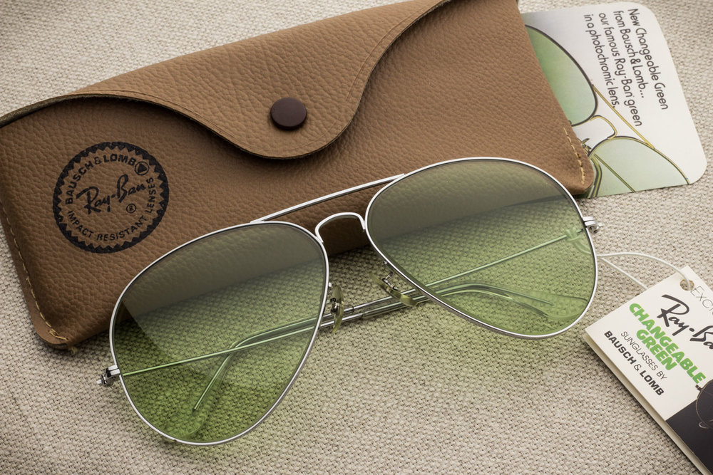 a4fd687ed Not produced anymore since 1999. Vintage Ray Ban by Bausch & Lomb. Find  out. Ray Ban Metal Changeable Green lens [58mm]