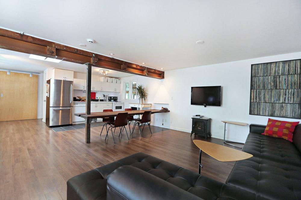 Mezzanine Client Lounge