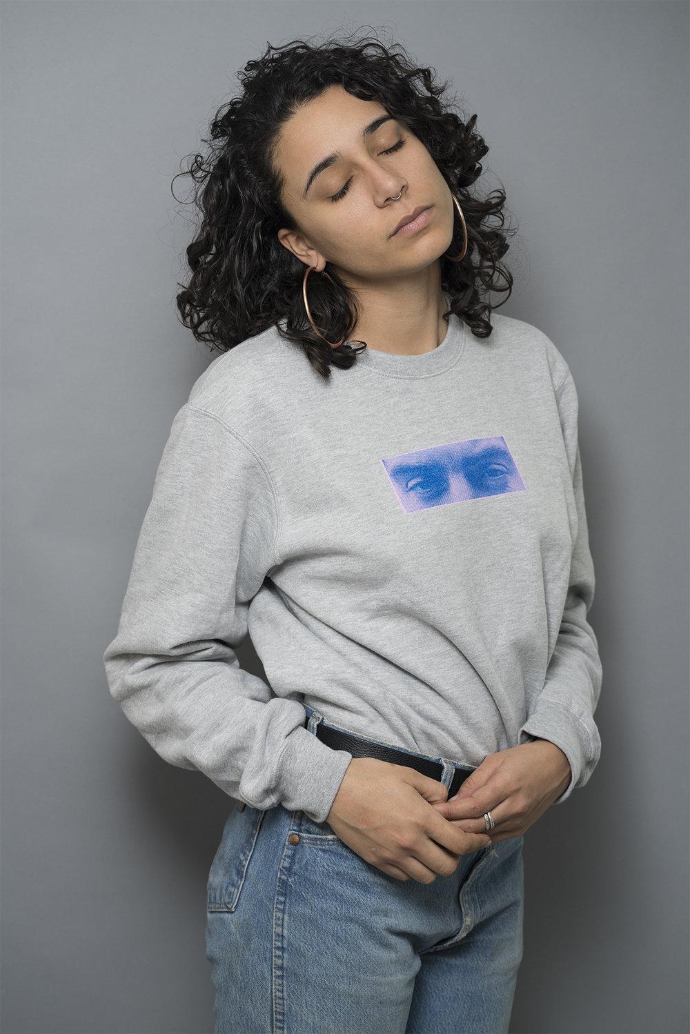 Model wearing Unisex Medium