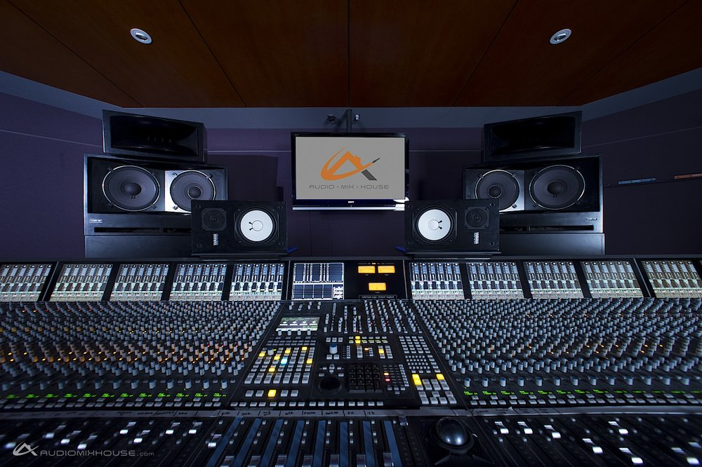 96-channel_Solid_State_Logic_(SSL)_Duality_at_Audio_Mix_House,_Studio_A_(13429934964).jpg