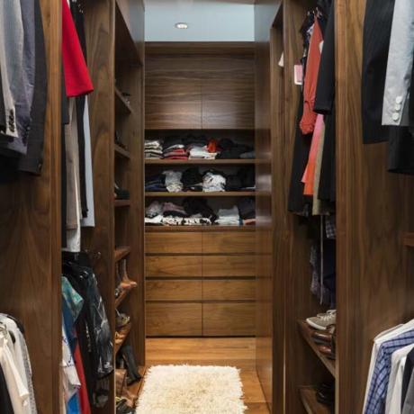 fremont-master-dressing-room2_0.jpg