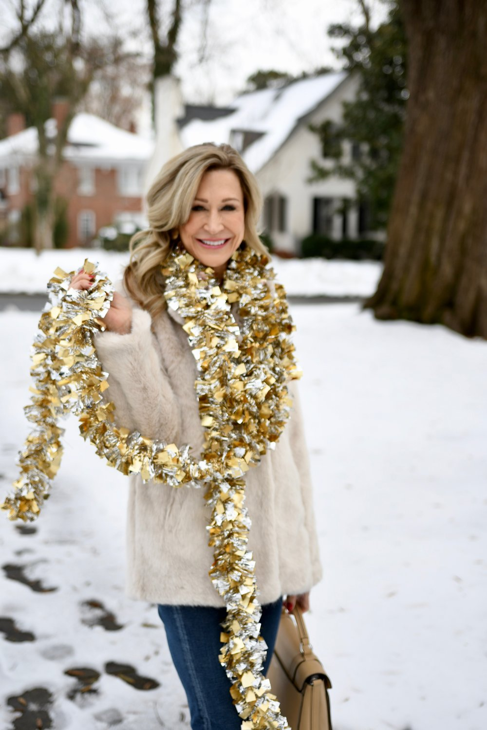 Sparkling in the snow - Crazy Blonde Style
