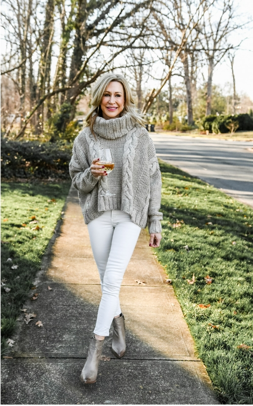 15172e80ea 3 Ways to Wear White in Winter — Crazy Blonde Life