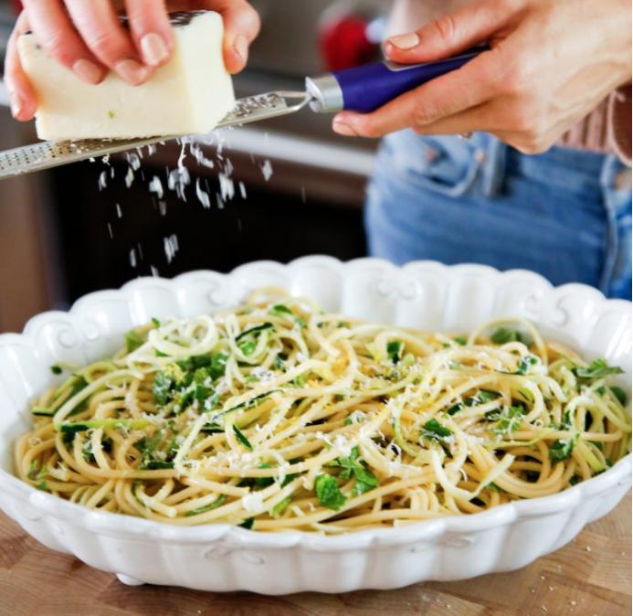 Lemony Pasta Carbonara with Peas & Zucchini