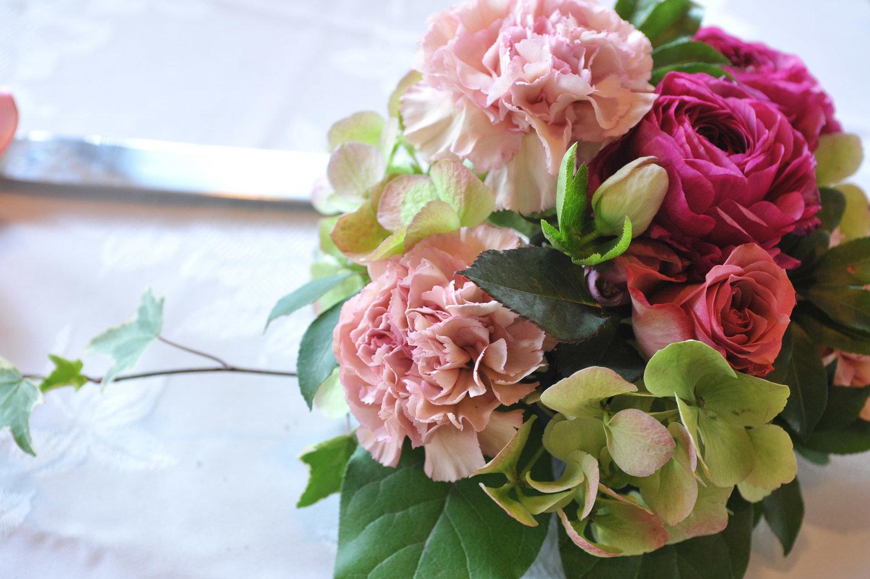 Prairie petals flower arrangement 1g izmirmasajfo