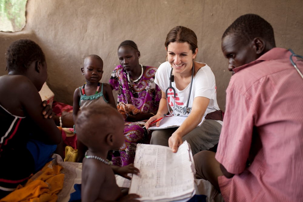 MSF nurse Josie Gilday in South-Sudan. © Brendan Bannon/MSF