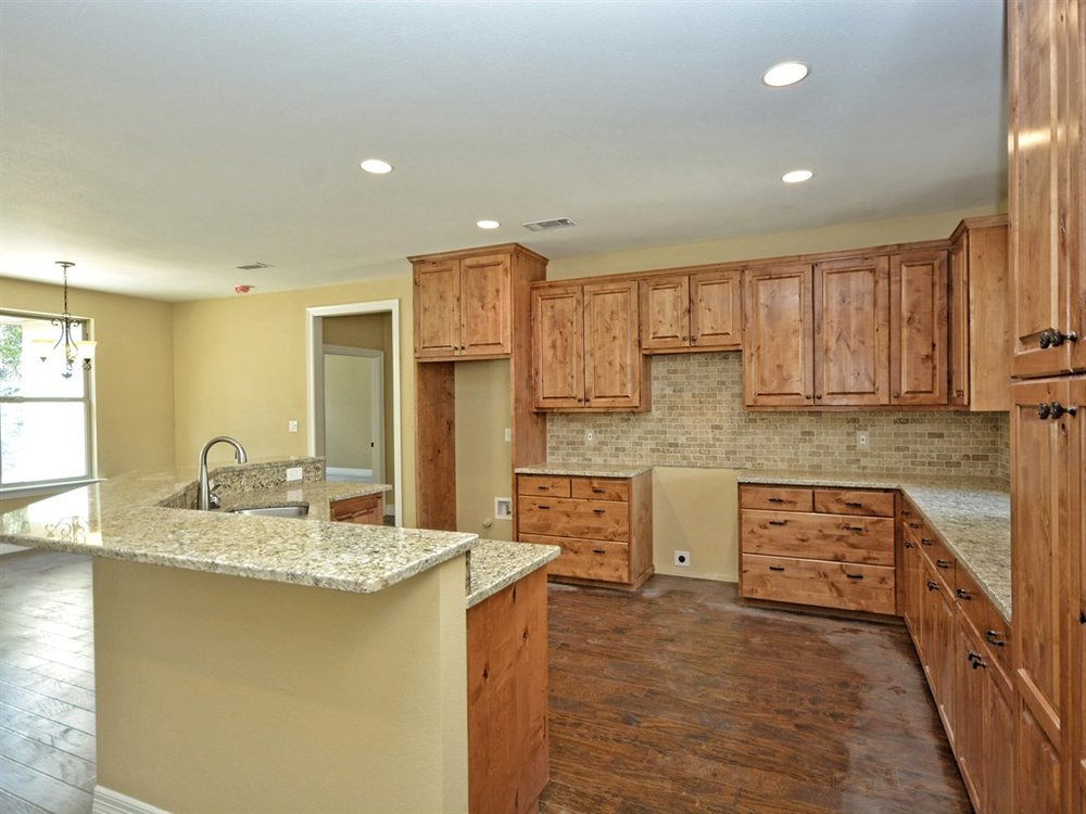 Kyle kitchen 3.jpg
