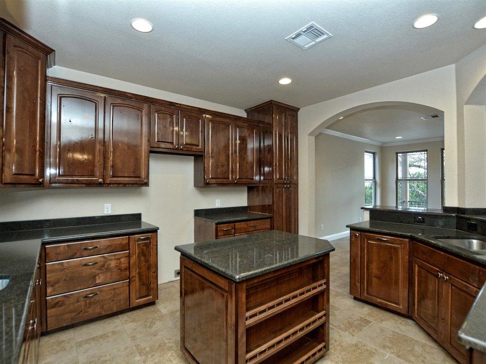 019_Kitchen 2.jpg