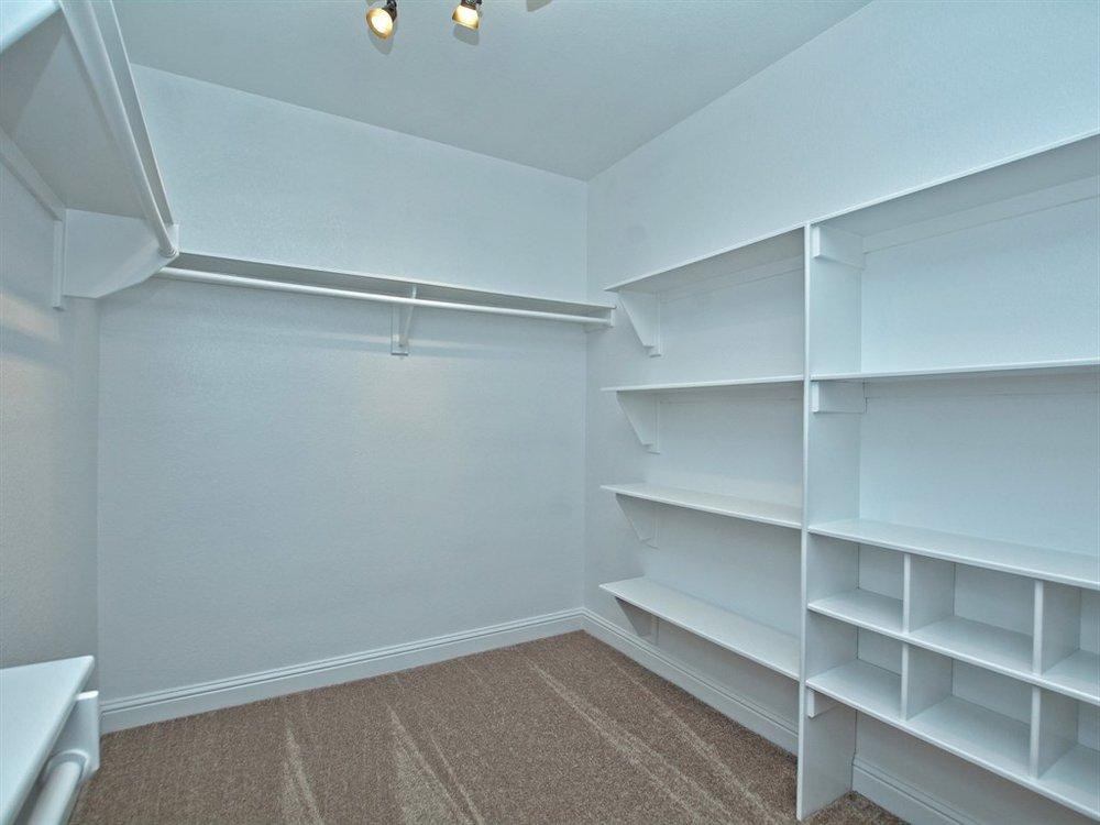 026_Master Bedroom Closet.jpg