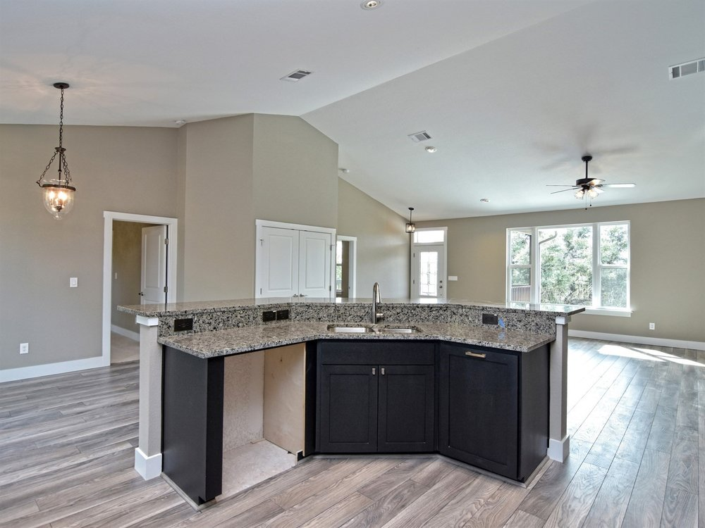 010_Kitchen Island.jpg