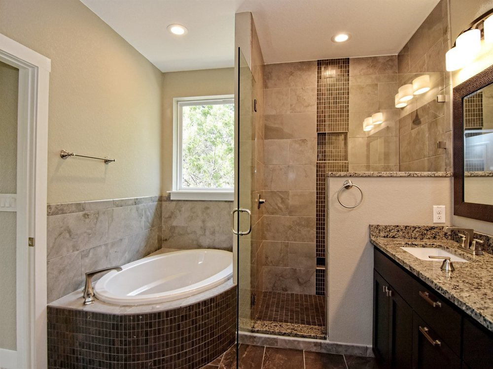 016_Master Bathroom.jpg