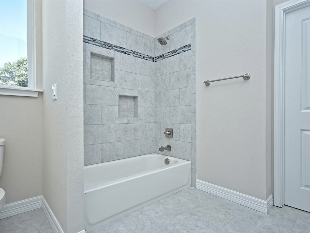 028_Jack & Jill Bathroom 2.jpg