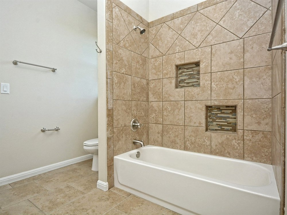 027_Jack & Jill Bathroom 2.jpg
