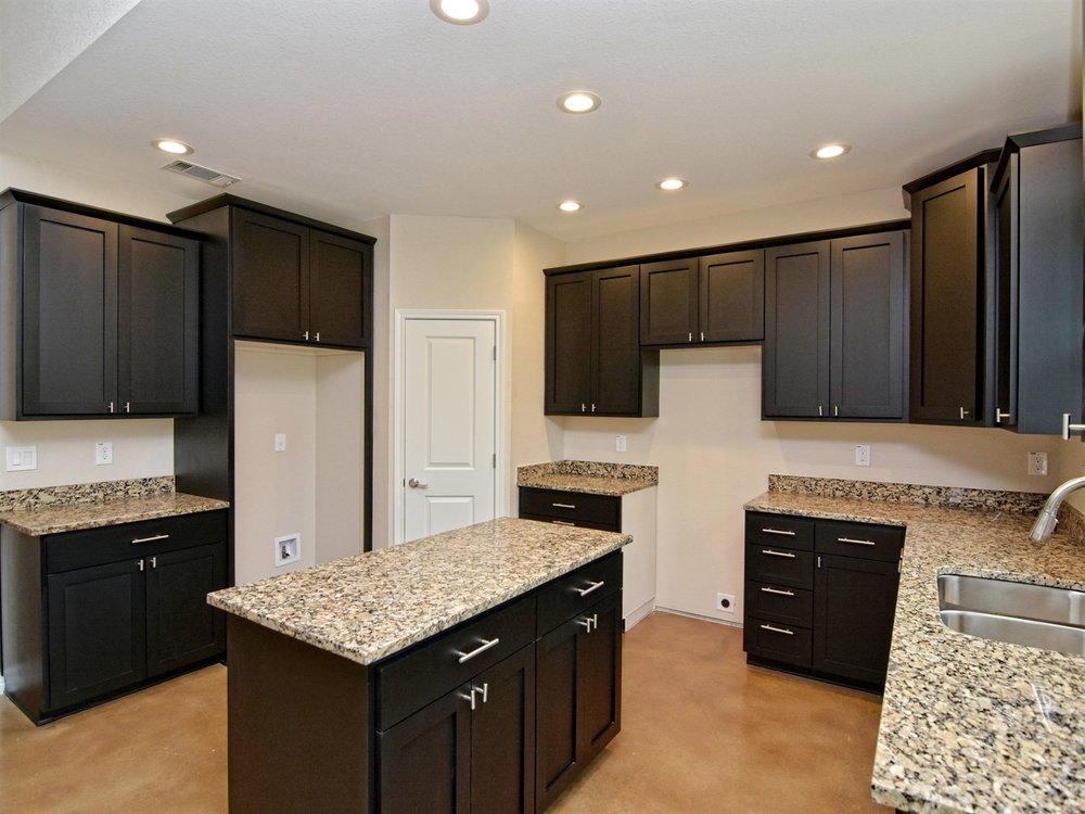 015_Kitchen 4.jpg