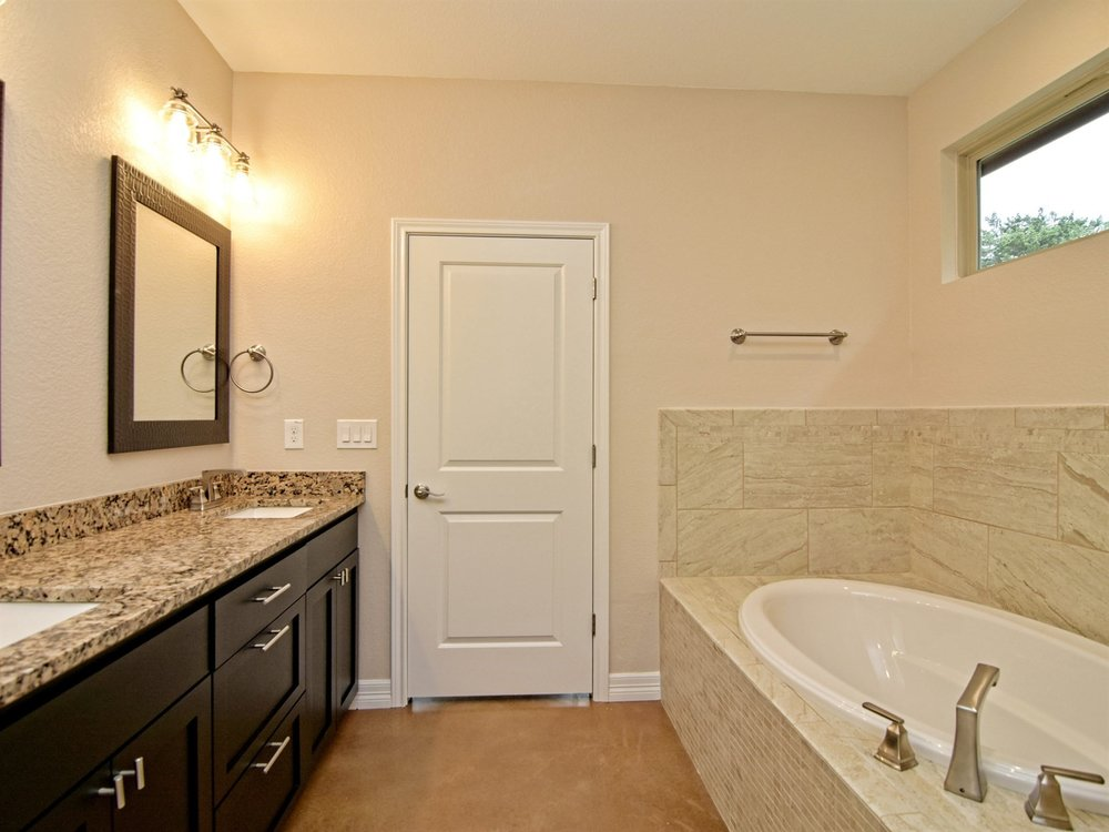 020_Master Bathroom 2.jpg
