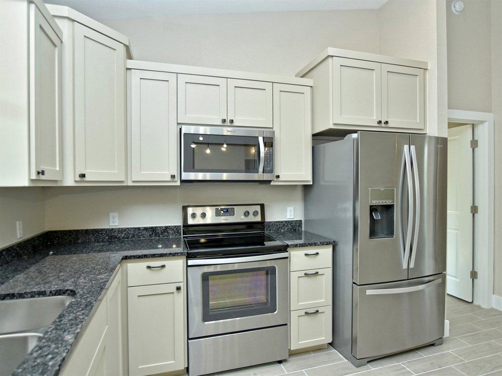 012_Kitchen 3.jpg