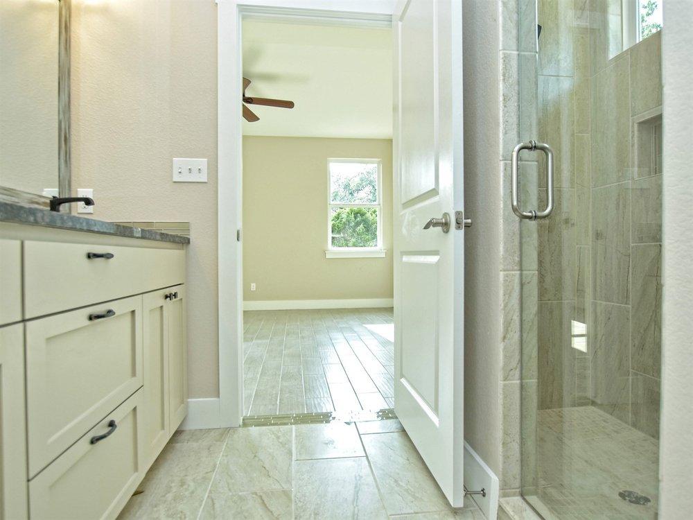 018_Master Bathroom 2.jpg