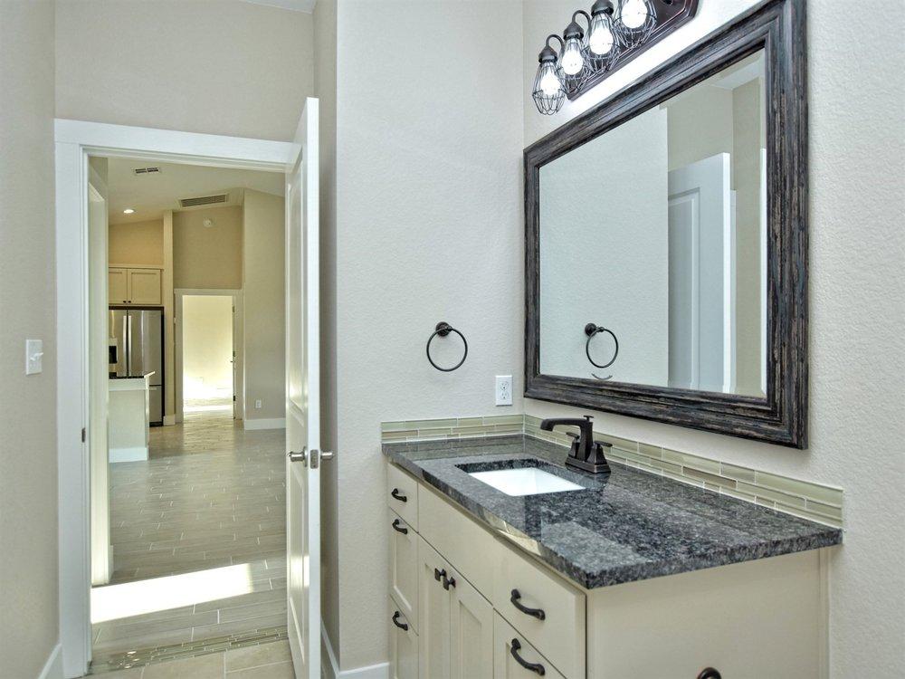 023_2nd Bathroom 2.jpg