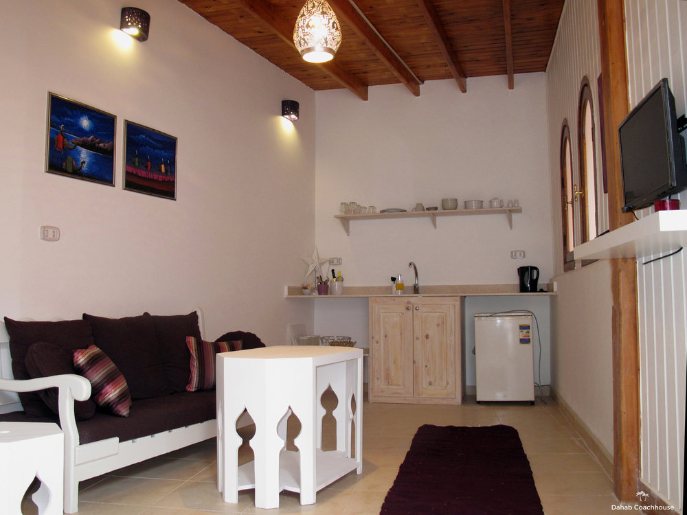 Dahab_Coachhouse_courtyard_hotel_guesthouse_beach_diving_sea_garden_house_reception