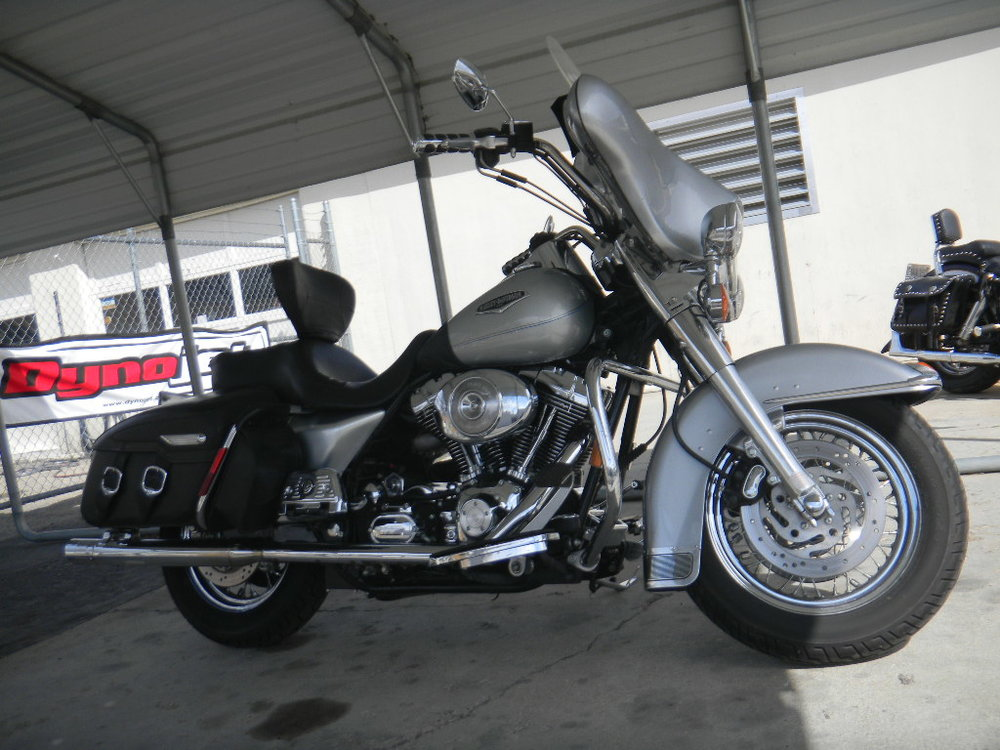 STEVE'S 2004 HARLEY ROAD KING