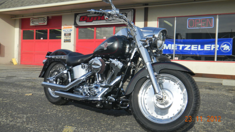 2006 HARLEY SOFTAIL RESTORATION. VOILA!  GORGEOUS BIKE!