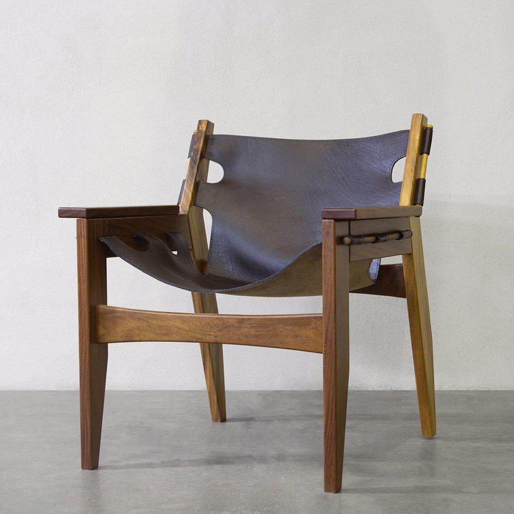 Esta silla está en el tienda de Arca Deco en Santa Ana,vayaos y antojaos.