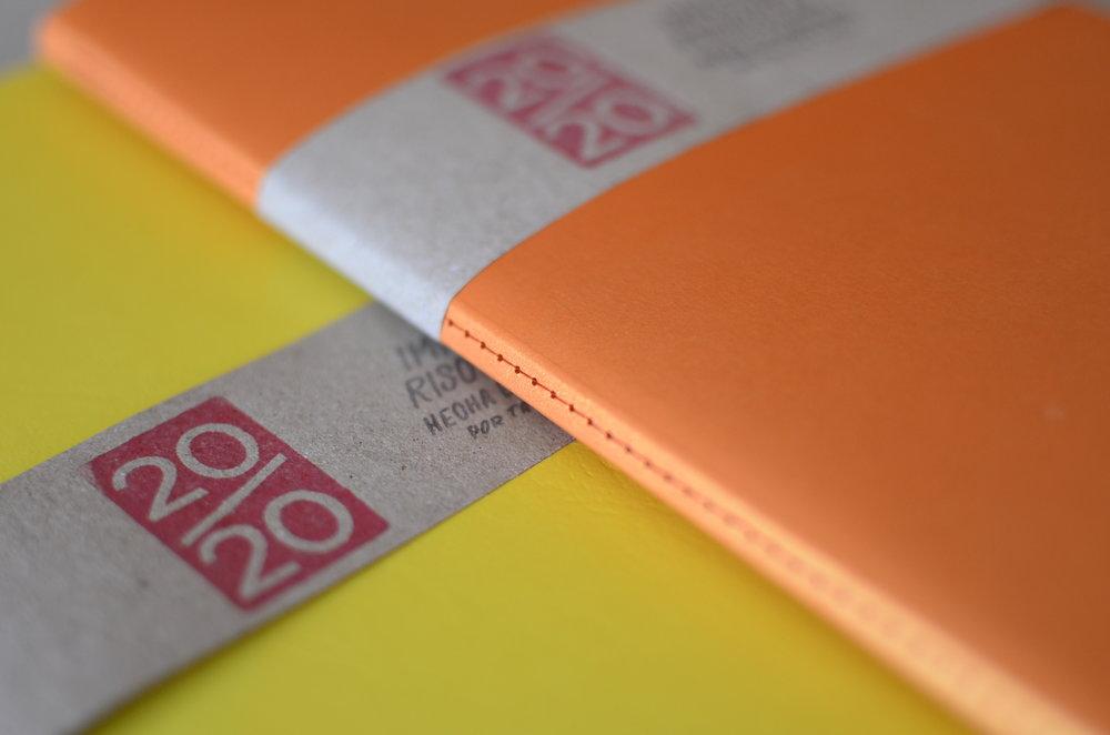 taller 20/20 es una imprenta risográfica que entre otras cosas hace libretas y agendas y cosas que buscan cuestionar y mejorar la utilidad del producto. precios: 1,000 - 6,000 colones | imágenes cortesía de taller 20/20