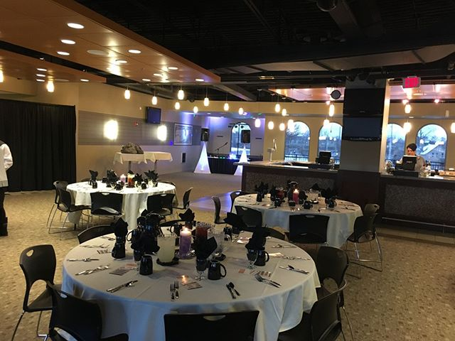 Had a great time DJing a corporate event @parkviewfield recently! #ftwayne #mobileDJ #dj buff.ly/2G9tMQW