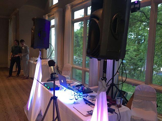 Getting set-up for wedding at the golf course. Wedding season is here! #DJ #weddingDJ buff.ly/2G9tMQW