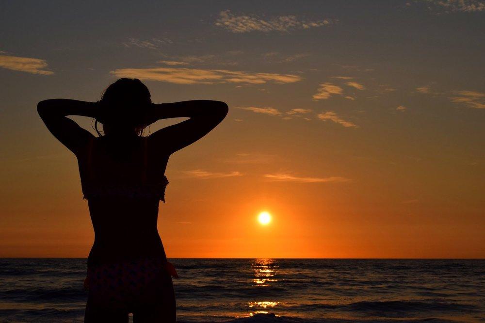 sunset-2782223_1920.jpg