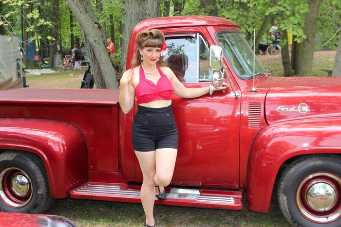 Symco Weekender Pin-Up Contest Sweet Lucy LaBelle