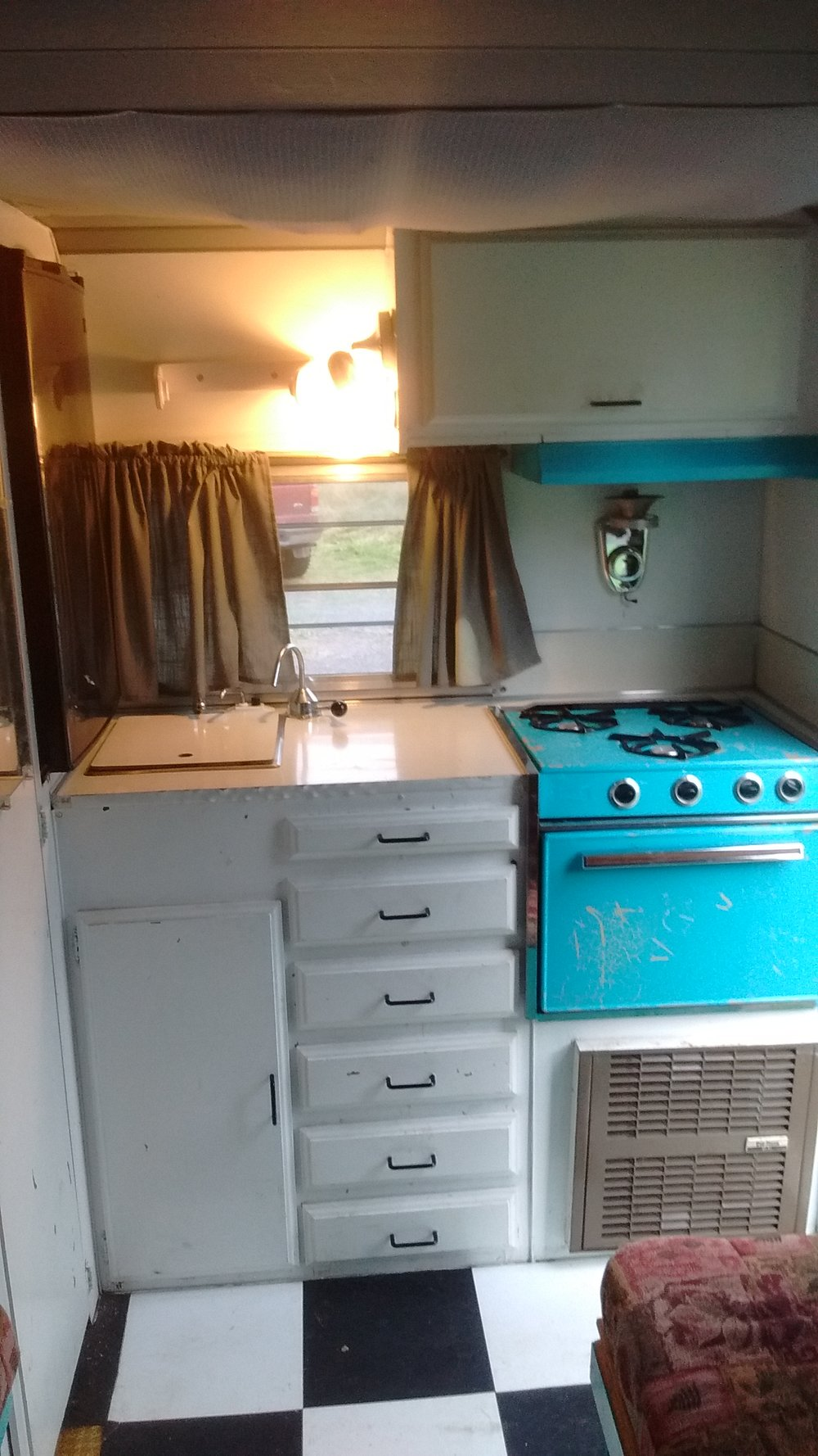 Shasta Compact Camper 1972 Renovation