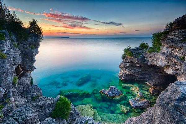 The Grotto, Bruce Peninsula National Park. Photo by Steven Vandervelde.