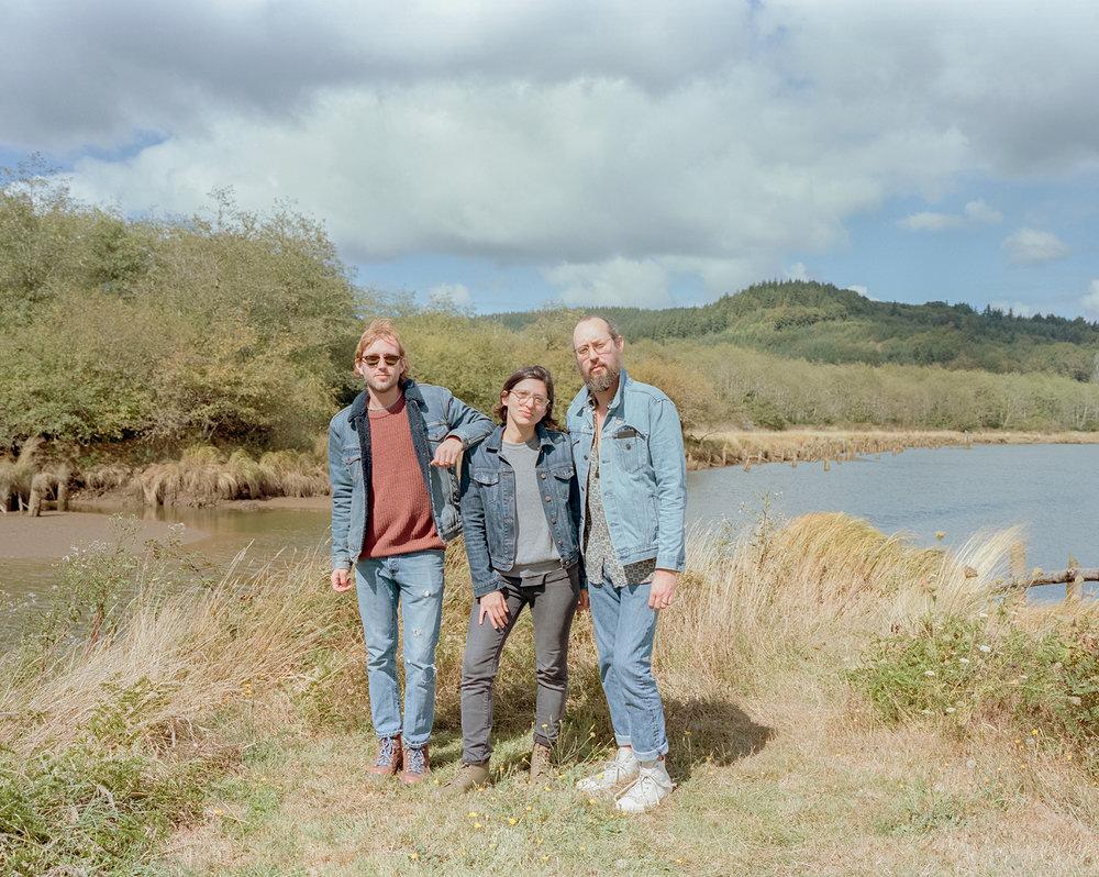 Neil, Camille, Chris in Raymond, WA - September 2018