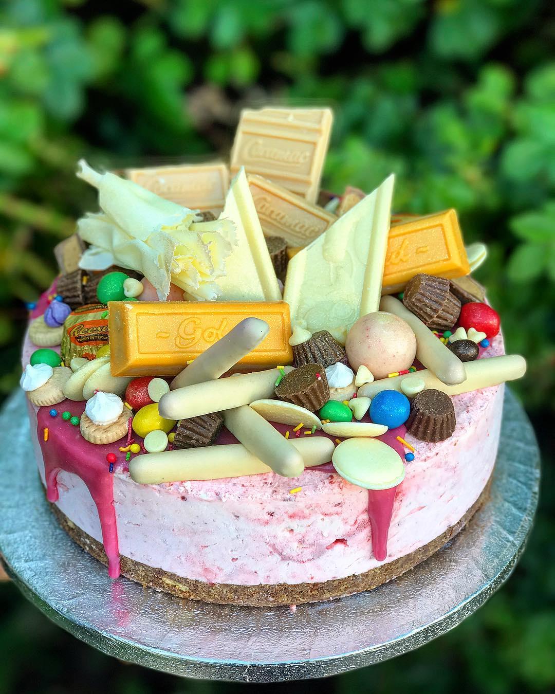 Pleese Cakes