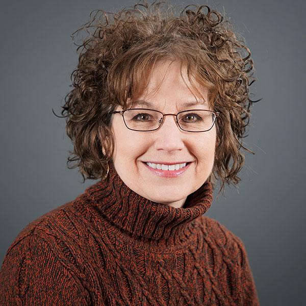 Ellen-Dykas-headshot.jpg