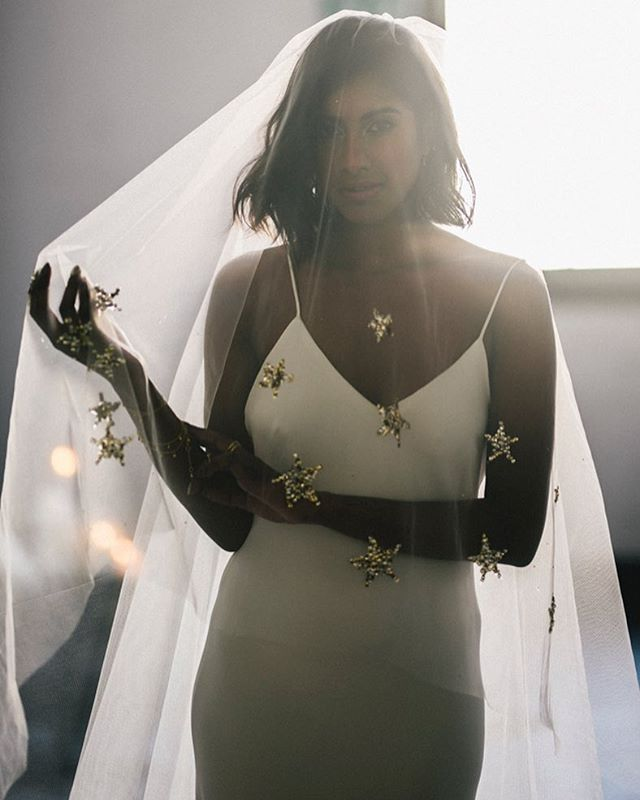 When there's a custom made star veil you better believe you'll find Ritual Bride... ⭐️⭐️⭐️ / / Another stunning @popupplanningco x @harriettegordon x @jessicajosieweddings editorial on the blog today! (Link in bio)
