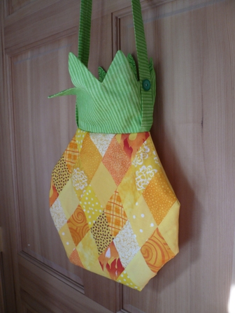 Pineapple Purse 1