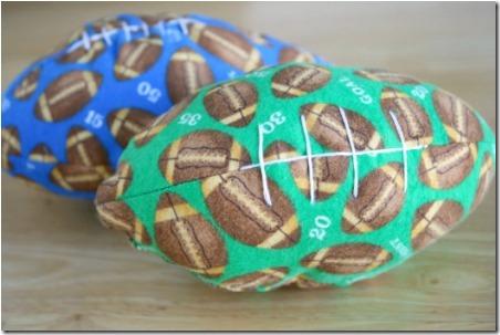 缝制自己的玩具足球